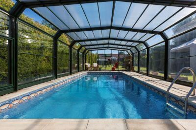 4 Benefits of Pool Screens